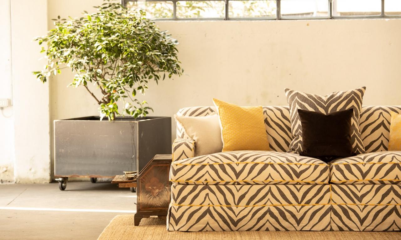 ROOTS Collection - sofa in new Pienza Okapi